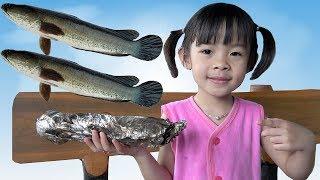 Bé Trải Nghiệm Đi Bắt Cá Và Tập Làm Món Cá Nướng ❤ AnAn ToysReview TV ❤
