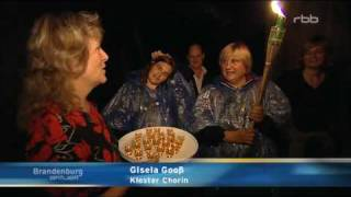 preview picture of video 'Stockdunkel mit dem Trampelbus ins Kloster Chorin mit Fackelwanderung und Nachführung'