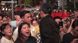 Đen live Và Anh Đếch Cần Gì Nhiều Ngoài Em và loạt hit cũ khiến fan phát cuồng
