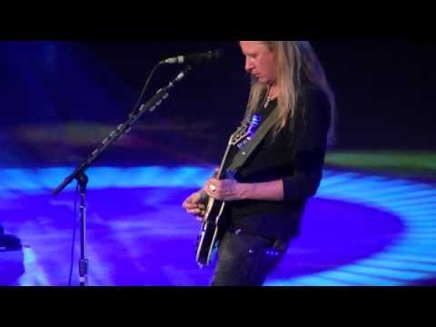 Alice in Chains - Grind - Live Key Arena Seattle,WA (10/8/2010) FULL HD