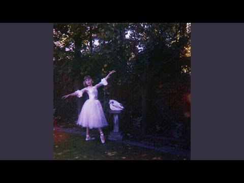 YouTube video: Wolf Alice: Visions of a Life