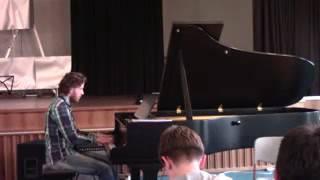 Первое выступление на пианино