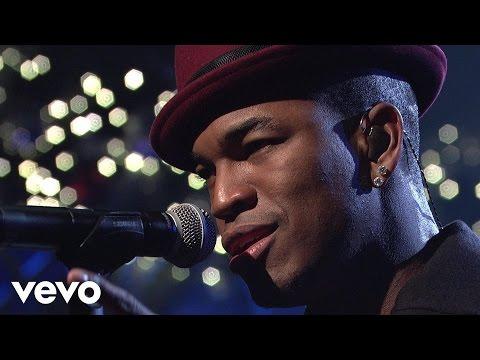 Ne-Yo – She Is (Live on SNL)