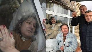 """Эта женщина живет в """"стеклянной клетке"""" и лишь дважды в год может обнять своих детей"""
