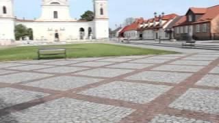 preview picture of video 'Podlasie (71) Tykocin - rynek - kościół Świętej Trójcy + pomnik Czarnieckiego 10.05.2012'