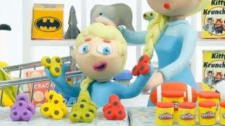 Эльза играет со спинерами, мультфильмы из пластилина