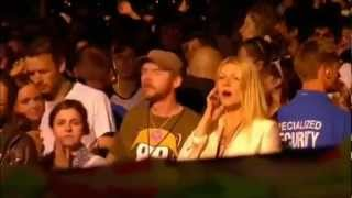 "CHRIS MARTIN sings ""LIFE IS FOR LIVING"" at Glastonbury 2011 - COLDPLAY - 1080p"