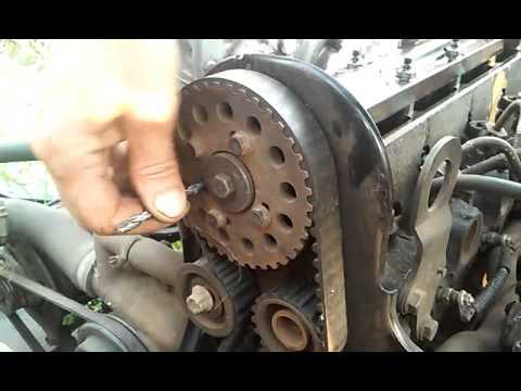 Фото к видео: Расположение меток ГРМ Ford 1.8 D TD TDI