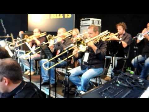 "Take The ""A"" Train (Duke Ellington) Umbria Jazz 2013 - Tribunal Mist Jazz Band"