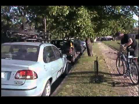 Soporte lateral para bicicletas, descargando bici 01.AVI