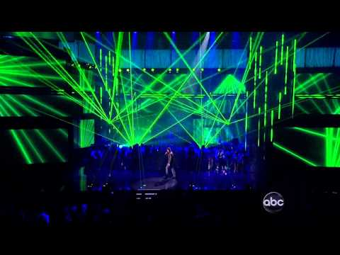 Emmett performs with Enrique Iglesias American Music Awards