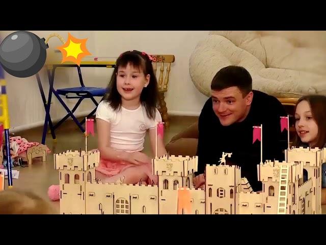 Видео Деревянная рыцарская крепость
