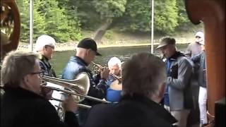 preview picture of video 'EastHarbourJazzband.dk - Riverboat Jazzfestival 2013 Silkeborg'