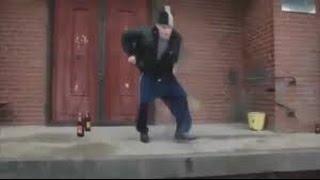 """Русский пьяный мужик  танцует  """"PPAP"""""""