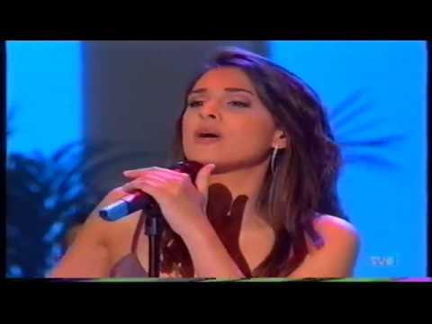 NURIA FERGO Brisa de esperanza (Terraza de verano 2002)