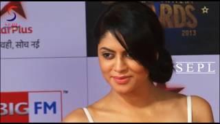 Naughty Gal In White Kavita Kaushik Showing Huge Bosoms