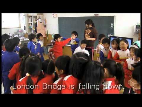 お遊戯しながら英語で歌おう!