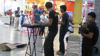 2014-06-28 Band playing in shopping mall, Hua Hin