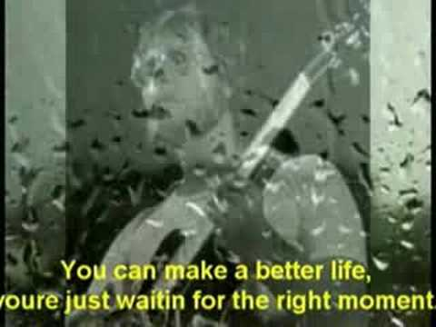 The Right Moment - Gerry Rafferty (lyrics)