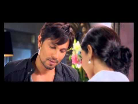 MURDER 3 : Randeep works his charm with Sexy Sara