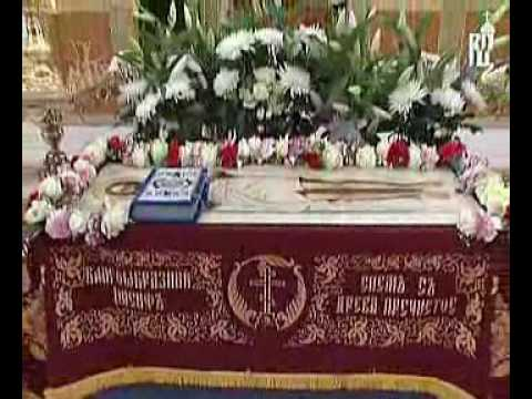 Дмитрий медведев в храме