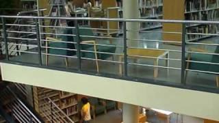 preview picture of video 'Passeig per la Biblioteca Frederica Montseny de Canovelles'