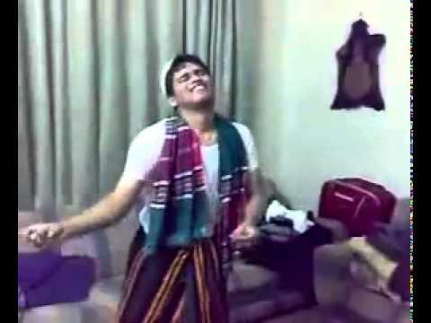 umar akmal and kamran akmal dancing in home