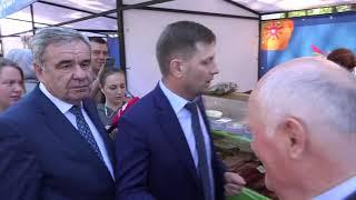 Губернатор Сергей Фургал посетил выставку-ярмарку