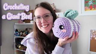 I crocheted that giant bee from tiktok!