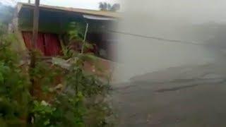 Video Detik-detik 10 Ruko di Jambi Ambles ke Bawah Tebing di Tepi Sungai, Diduga Pondasi Kurang Kuat