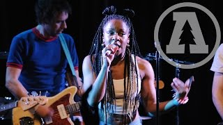 The Go! Team - Grip Like a Vice - Live From Lincoln Hall