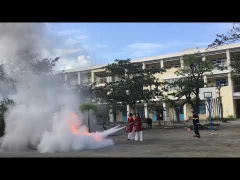 Video 2:Thực tập phương án chữa cháy cho CBGVNV và học sinh