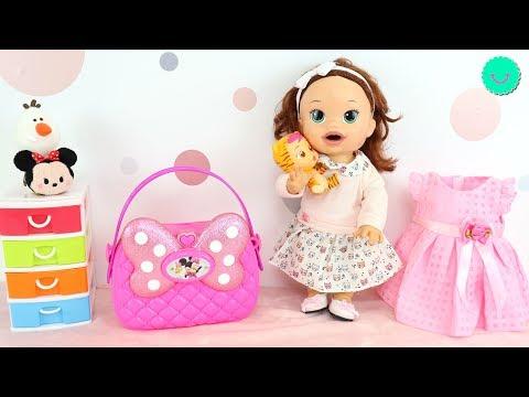 SARA y su nuevo BOLSO de MINNIE MOUSE Juguetes para niñas y muñecas Baby Alive
