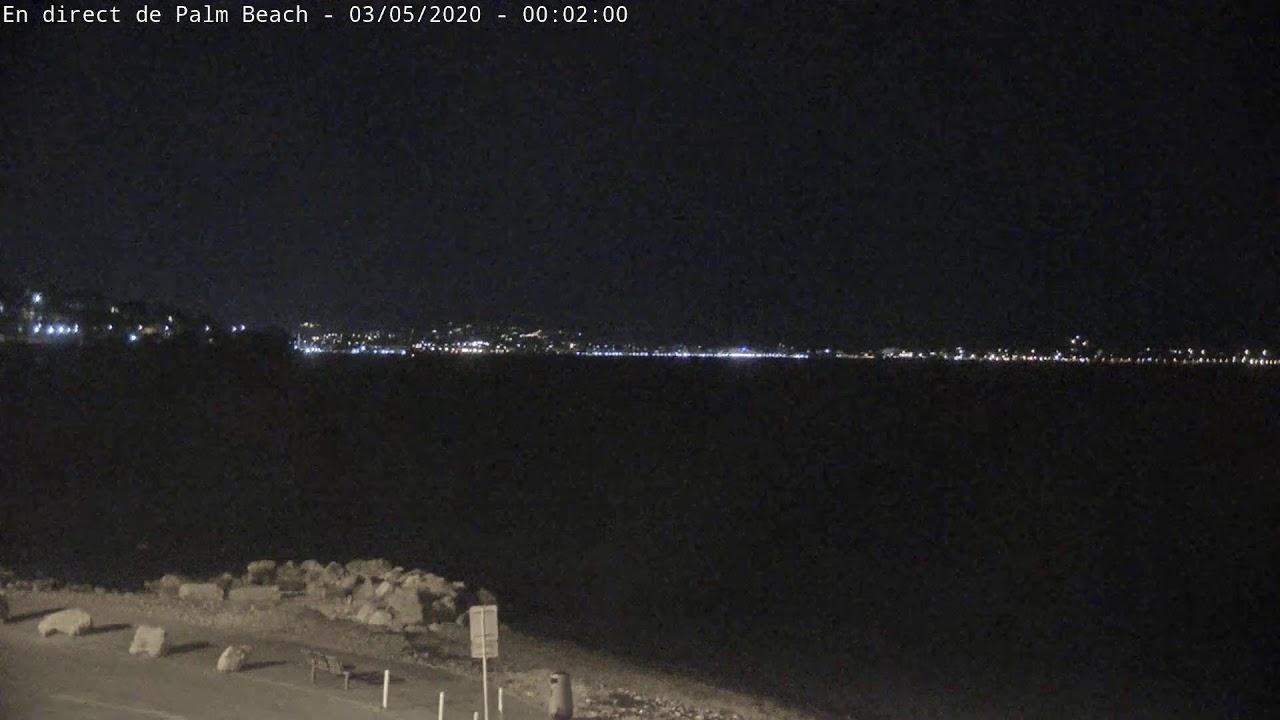 Webcam en direct-live du Palm Beach à Cannes sur le cap de la croisette. Vue orientée vers l'île Saint-Marguerite