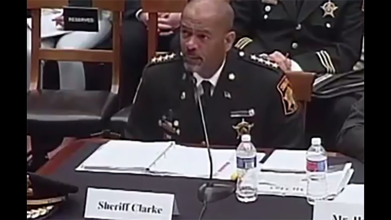 Sheriff Gets Laughed At In Congress thumbnail
