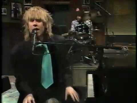 Want You to Feel Good Too performed by NRBQ