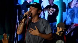 Parokya Ni Edgar - This guy's in love with you pare. Live in Manaoag!