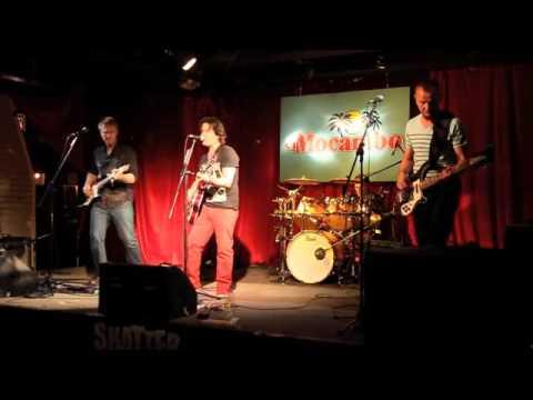Shattervox - Caroline (ORIGINAL) - Live at El Mocambo