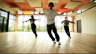Смотреть онлайн Зажигательный хаус танец (House Dance)
