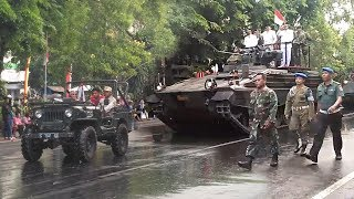 Tank Hingga Kereta Kencana Ramaikan Pawai Pembangunan di Solo