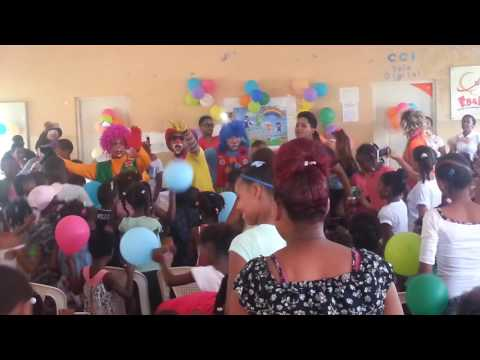 La Fundación Somos iguales lleva alegría a niños y niñas de  Mena Abajo