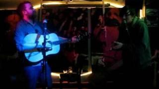 Frightened Rabbit - Don't Go Breaking My Heart (Secret acoustic show)