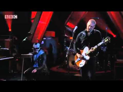 Queens of the Stone Age - If I Had a Tail (Later with Jools Holland 2013)