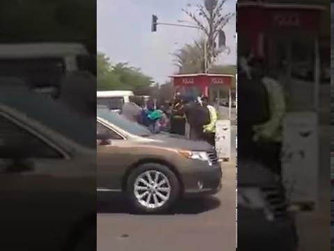 Nigerian Policemen Fighting Around Buhari Junction Abuja