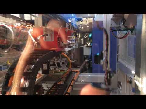 2 cavity 500 gr bucket iml robot by Eurasia robotic
