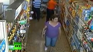 """Землетрясение """"рушит"""" супермаркет в Коста-Рике"""