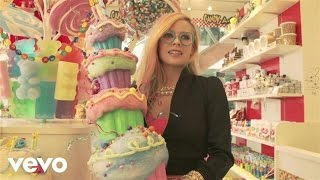 Avril Lavigne - Hello Kitty (Behind the Scenes Part 1)