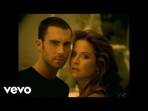 Maroon 5 - She Will Be Loved (Official Music Video)