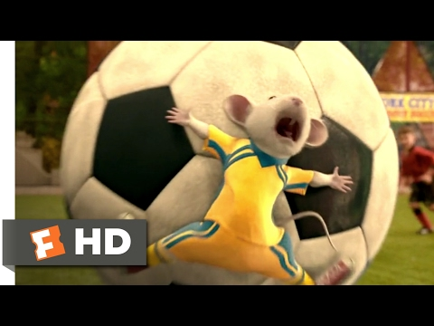 Stuart Little 2 (2002) - Stuart Plays Soccer Scene (1/10) | Movieclips
