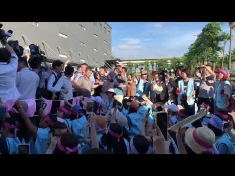 長榮罷工 長榮航運大樓外近千人對峙